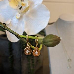Jewelry - Gold earrings with diamonds stars